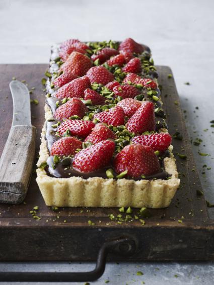 Jordbær- og chokoladetaerte