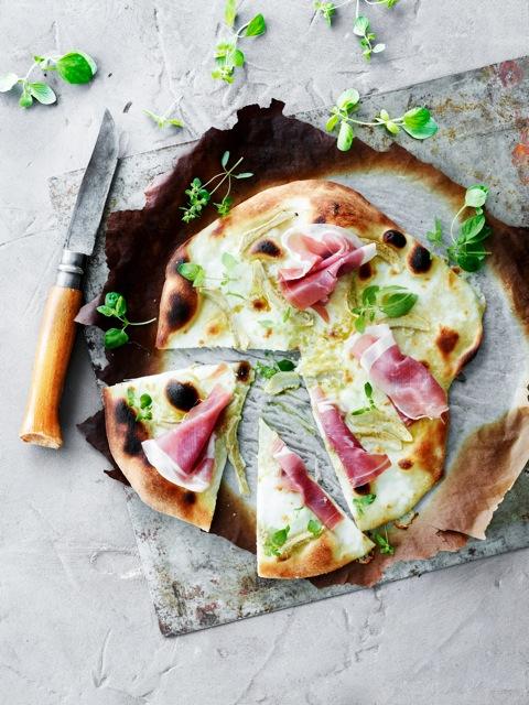 Pizza med artiskok og parmaskinke1