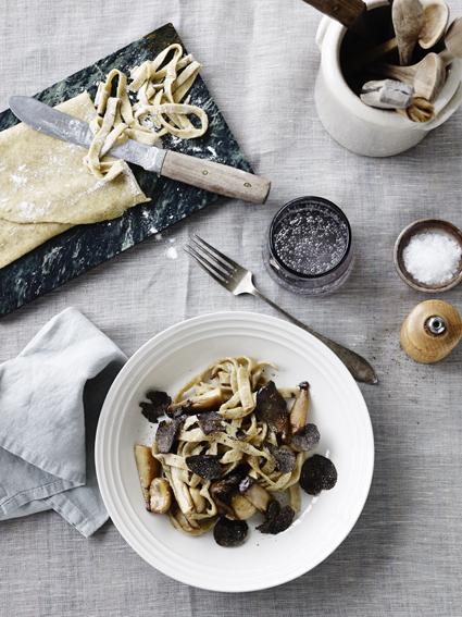 grov pasta med svampe
