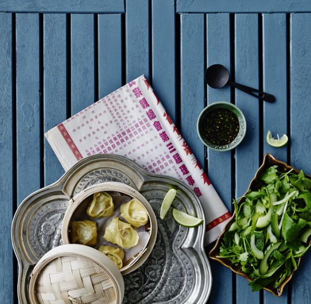 wonton og urtesalat