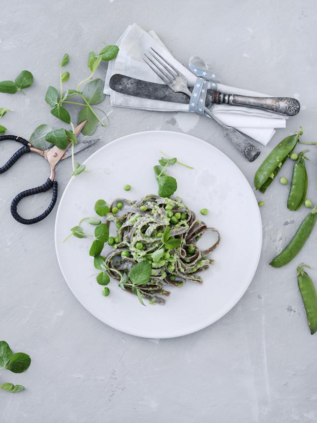 grov pasta med aerter