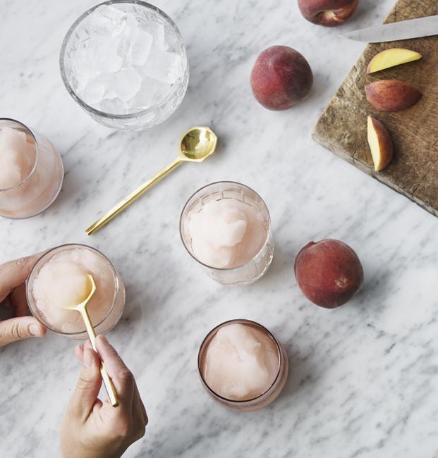 peach frosé