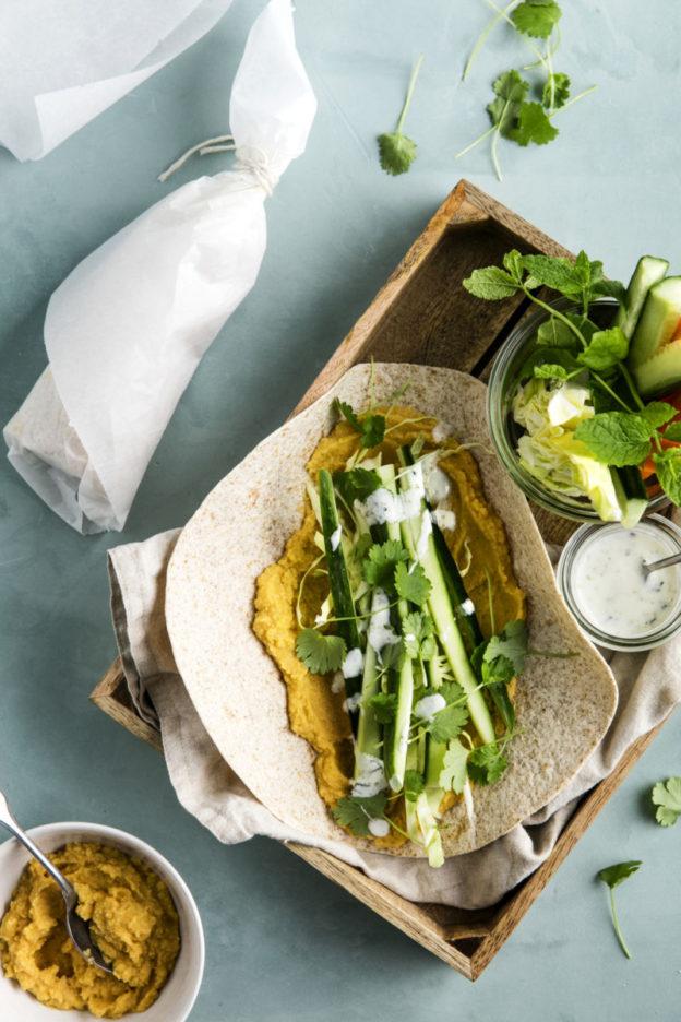 Grove wraps med hummus & salat _ChrisTonnesen1163